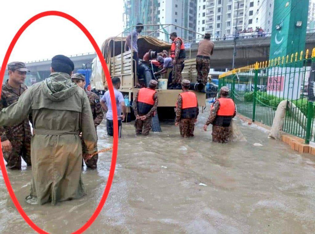 Karachi drowned in Rain, Mayor Karachi Failed, death in Karachi, Karachi ruled by everyone but no one owns it